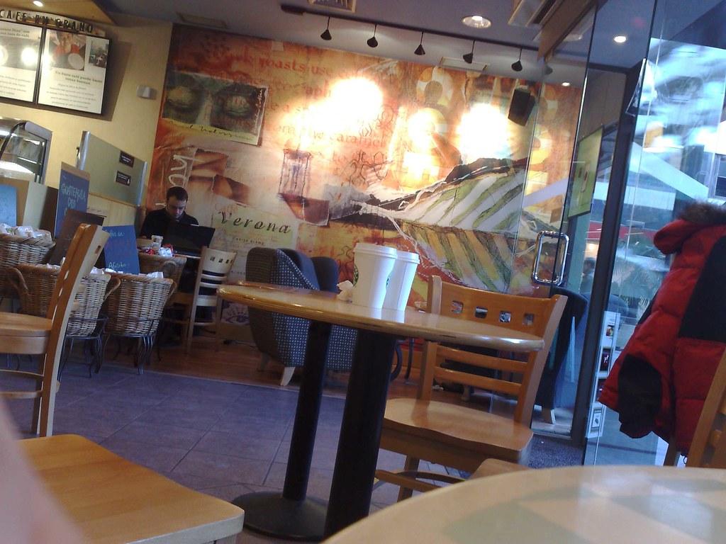 Starbucks-Asus-080118b