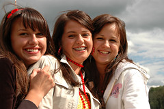 Three Beauties (Rafal Bergman) Tags: ladies girls girl beautiful beauty festival lady strawberry women braces young poland polska teen teenager festiwal truskawki korycin