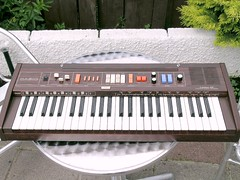Casiotone CT-403 (Neil Vance) Tags: 1982 keyboard ct neil frog casio organ electronic cosmic tone 403 vance casiotone ct403 neilvance