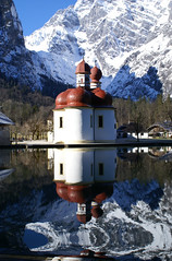 St. Bartholom (mattrkeyworth) Tags: schnee lake snow mountains reflection church reflections germany bayern deutschland bavaria see berchtesgaden king oberbayern chapel land allemagne spiegelung turrets gebirge knigssee stbartholom berchtesgadener mywinners anawesomeshot anticando mattrkeyworth