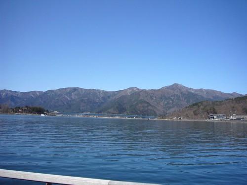 遊覧船で河口湖