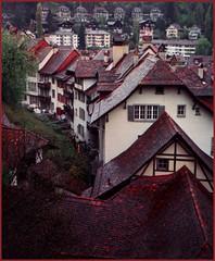 LES TOITS DU VIEUX-FRIBOURG (Francnordest) Tags: architecture europe fribourg toits