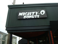 Mighty-O Donuts, Seattle