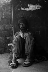 35 (Germán Gutiérrez) Tags: nepal pobre pokhara indigente vagabundo