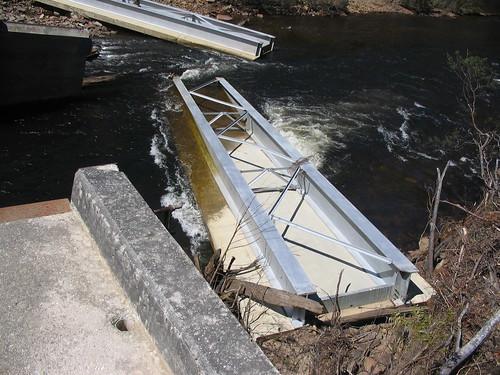 Tayatea Bridge ... broken! 4