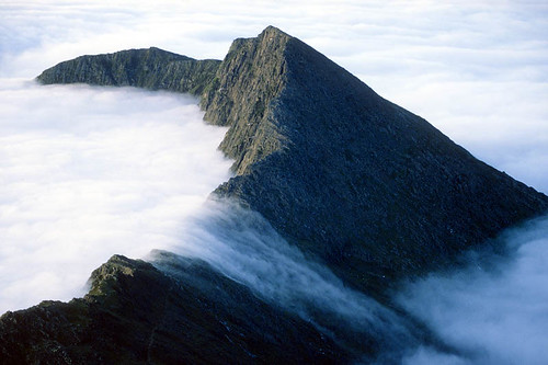 Mistfall Lliwedd (geoffspages) Tags: weather landscape