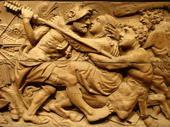 Herakles et Déjanire (Mr-Pan) Tags: wood sculpture kiss holz espagne bois andalousie basrelief baiser centaure hercule herakles küsse velezblanco déjanire kenturoï muséesdesartsdécoratifs