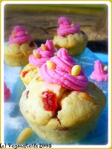 Muffins de St valentin, glaçage Rose-Bonbon (VGL) 2254683532_9c3101b900_o