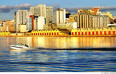 Porto Alegre 236 Anos (Omar Junior) Tags: city red cidade sky lake water rio yellow skyline clouds buildings river geotagged lago grande do waves barco pentax d portoalegre vermelho amarelo porto junior anos tri alegre omar ist poa aniversrio rs riograndedosul sul pentaxistd ondas prdios cais guaiba 236 rgs atravessando mywinners galpes geo:lat=30028529 geo:lon=51241243 portoalegre236anos aniversriodeportoalegre portoalegrefotos caisodoporto