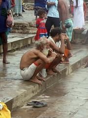 Cleaning Teeth 2 (amiableguyforyou) Tags: india men up river underwear varanasi bathing dhoti oldmen ganges banaras benaras suriya uttarpradesh ritualbath hindus panche bathingghats ritualbathing langoti dhotar langota