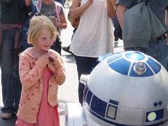Girl vis a vis  R2-D2 (delight.1027) Tags: facetoface shutterbugs assignment15
