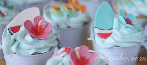 Luau cupcakes - 2