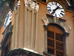 Church clock / Toronyra (Verspatikus) Tags: old brown building tower clock church time torony rgi templom barna ra plet id toronyra