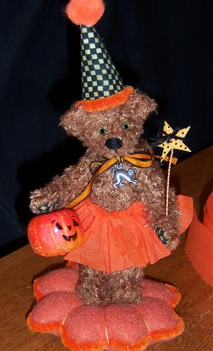 greta miniature halloween bear