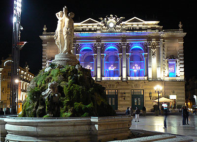 opéra by night.jpg