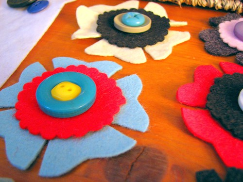 felt button brooch
