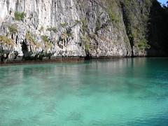 51 phi phi island 4