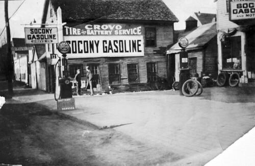 1922 - Crovo Tire and Battery Service, 33 Winn Street, Woburn, Massachusetts