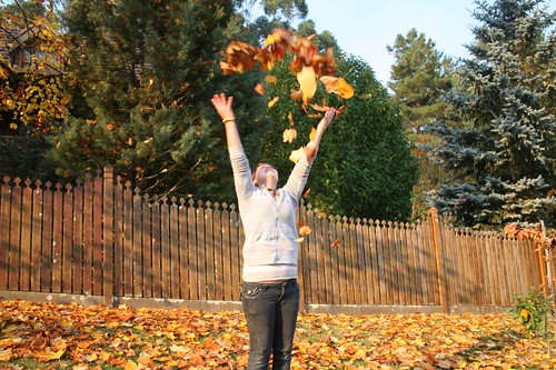Leaf tossing