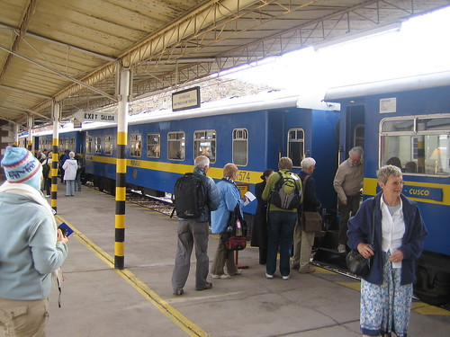 First train to Cuzco por moby_life.