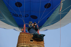hang on a tick - you fly the balloon (devonteg) Tags: nikon may hotairballoons 201 d80 18135mm tivertonballoonfestival