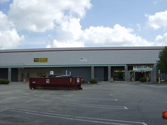 Winn-Dixie Marketplace (closed) (RetailByRyan95) Tags: old abandoned dead virginia closed empty va vacant gloucester winndixie former