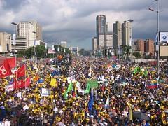 Avenida Bolöar en la marcha del No, la oposición en busca de liderazgos