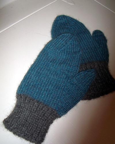 baby-alpaca-mittens.jpg