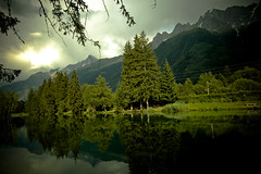 France / Chamonix - Lac des Gaillands (Manu Foissotte) Tags: mountain lake france green montagne nikon chamonix montblanc landcape naturesfinest mywinners aplusphoto platinumheartaward proudlychopped