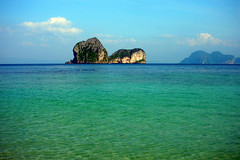 View on Koh Ngai Island, Thailand (_takau99) Tags: ocean trip travel blue sea vacation holiday beach topf25 water topv111 topv2222 thailand island topv555 topv333 nikon marine asia southeastasia december indian topv1111 topv999 indianocean topv444 2006 topv222 explore thai tropical coolpix topv777 s1 hai topv666 emerald topf10 topf15 trang andaman andamansea topv888 topf5 topf20 topf30 kohngai ngai kohhai takau99 explore100
