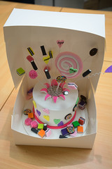 Cake packed into a paper box for taking home (joyceandjessie) Tags: cakeclass