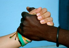 amistad! (PeryGDS) Tags: africa blue black colors azul mexicana hands friendship negro manos colores nigeria afrika bracelets amistad melilla accessory pulseras accesorios perygds