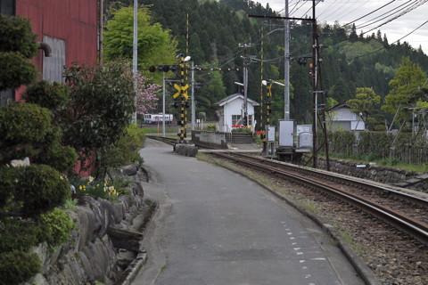 えちぜん鉄道比島駅周辺で……