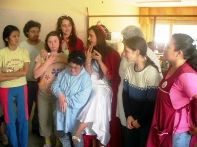 Reina y 2da. Princesa junto a los chicos integrantes de