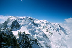France / Mt.Blanc (calvin89) Tags: travel blue white mountain snow france alpes scenery europe honeymoon  breathtaking montblanc mtblanc pictureperfect      supershot mywinners abigfave aplusphoto diamondclassphotographer  excapture  goldstaraward treeofhonor2 absolutelystunningscapes peachofashot