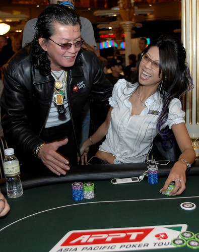APPT Macau 2007: Liz Lieu and Scotty Nguyen at High Roller table