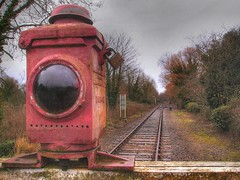 Cavick Crossing - Wymondham (Pete Sturman) Tags: winter red lamp crossing january rail 2008 signal hdr levelcrossing wymondham mnr fav5 favorite5 padlocl midnorfolkrailway