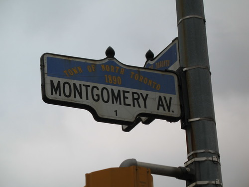 Montgomery Avenue Sign