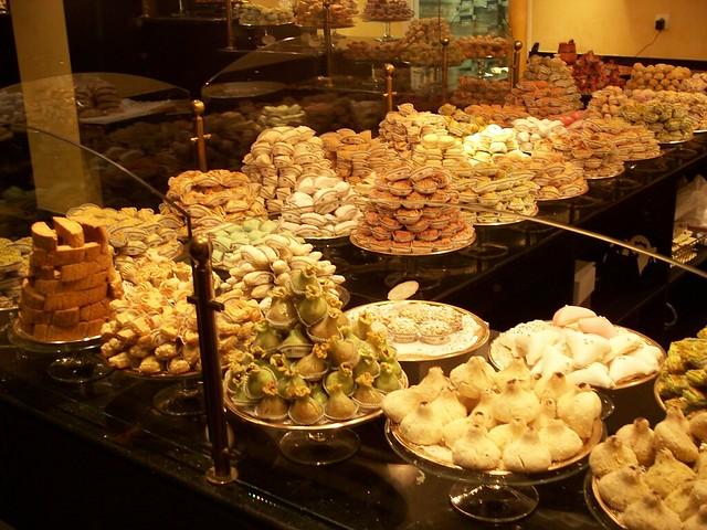 حلويات جزائرية 2252501082_81c6c0bd9