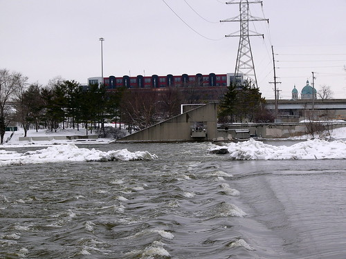Grand River at the Sixth Street Bridge, 8 February 2008