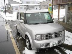 Nissan Cube 01 (drayy) Tags: snow ski car japan skiing nissan cube boxcar nagano    nissancube  nozawaonsen   cubecar