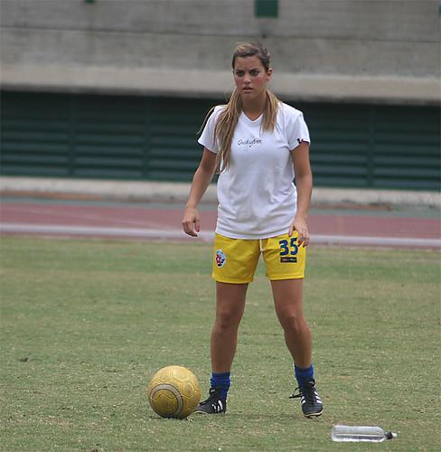 JUEGO UCAB SPIRIT VS MARKET FC FUTBOL FEMENINO