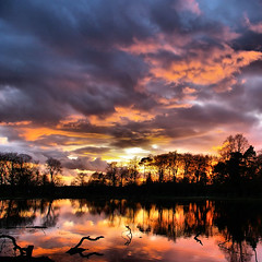 Perfect end to the Day (Chris Beesley) Tags: uk sunset sky sun reflection nature water landscape pentax super dunham dunhammassey massey supershot k100d