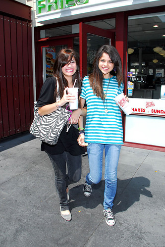 selena gomez and demi lovato on barney and friends. Selena Gomez with friend Demi