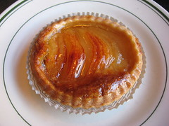 Sweet Thang: Tarte a la poire (close up)