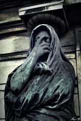 Père Lachaise_2707 (Sleeping Spirit) Tags: cimetière pèrelachaise cemetary cemetaries
