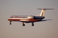 American Eagle N826AE (Rich Snyder--Jetarazzi Photography) Tags: airplane rj aircraft sanjose landing mq sjc arrival americaneagle airliner approaching embraer arriving erj140 regionaljet ksjc egf n826ae