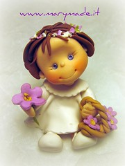 Vittoria (marytempesta) Tags: flowers daisies purple caketoppers weddingcaketoppers paololivornosfriends