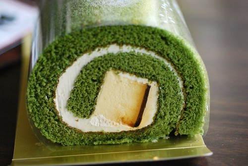 green tea pudding roll cake