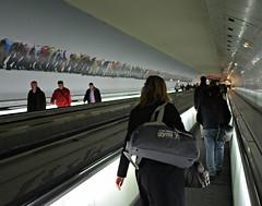 tapis roulant (Dom Dada) Tags: paris france underground subway geotagged prime moving frankreich mtro tapis roulant sidewalk walkway ubahn transfer conveyor subterranean montparnasse arrondissement couloir souterrain ratp trottoir sousterrain passageway tapisroulant 14e unterirdisch 185m 0276 subwaytransfer trsrapide canonef24mmf28 canoneos40d bienvene mtrodeparis longcouloir trsconfortable fderband geo:lat=48843396 geo:lon=2323072